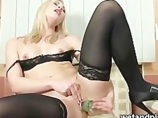 dark nylons and pee squeezing