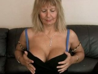 bushy milf at house cave rub