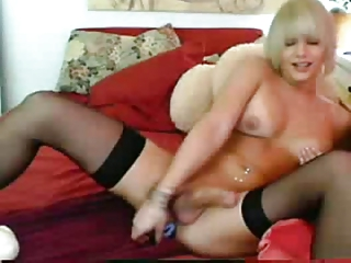 shemale enjoys with devices on cam