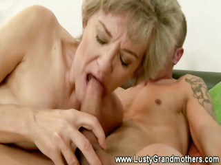 cougar old cave sucked after giving blowjob