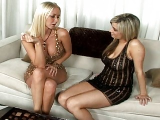 Blonde chick pick up a sexy lesbian babe