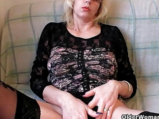 naughty grandma into stockings fists her shaggy