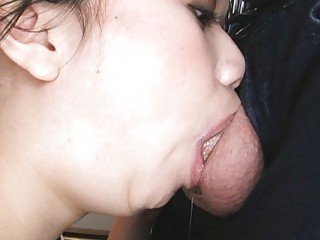 pretty eastern  amateur deep throats and drinks