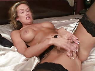jolie sex toy masturbation