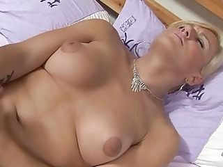melissa mendez toys her bottom with a sex toy and