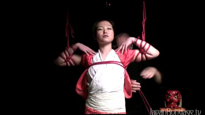 shrine woman bondage from japanbondage