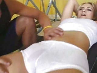 beautiful cameltoe lady acquires workout