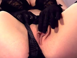 closeup masturbation into thigh high fishnet