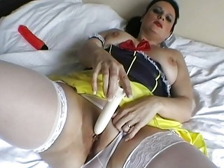 classy italian woman devices her used juicy cave