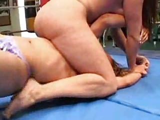 milfs french wrestling combat2