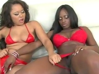 dark girl and sweetheart eastern  swapping cum