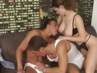 bisexuals pierce a super babe!