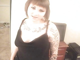 fat tattooed young girl does deep gorge on her