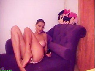 desperate girl on webcam ~ bemysugardad