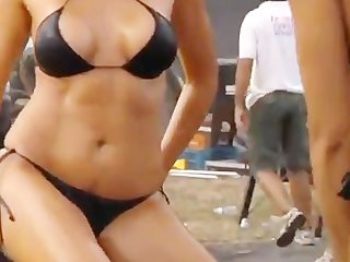 Sexy girls wash a car SO HOT!!!