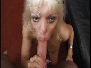 blond mature babe blowjob..rdl